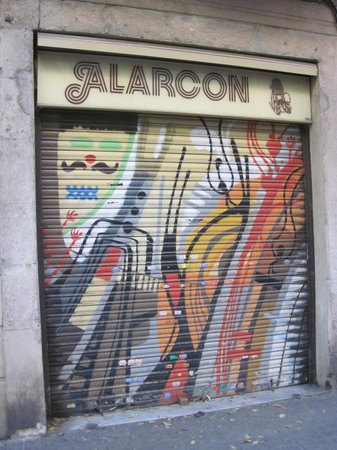 Barcelona Street Style Tour: A piece done by the collaboration of 3 artists.