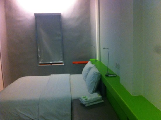 POP! Hotel Airport Jakarta : Double Bed