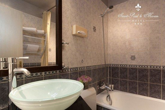 Hotel Saint Paul Le Marais: Bathroom