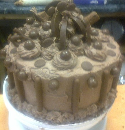 The Mixing Bowl : Chocolate Junkies Dream Cake