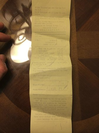 Hacienda Sisal : My version of the receipt that does not reflect the pre-written amount