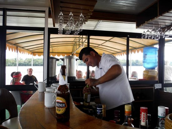 Manatee Amazon Explorer: Our barman 'Pato' - great service