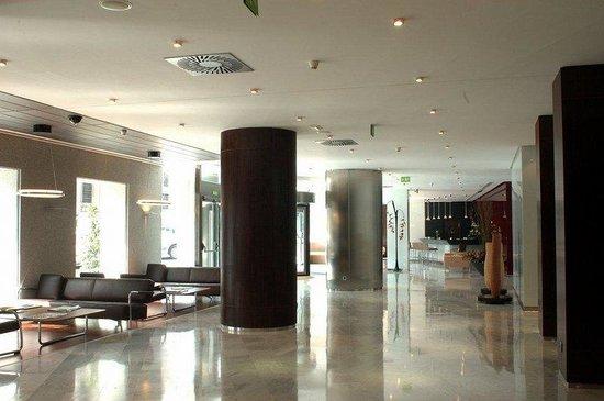 Hotel Paseo del Arte: Lobby