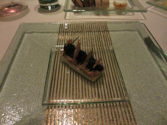 Hugos Restaurant: Shrimp and Caviar