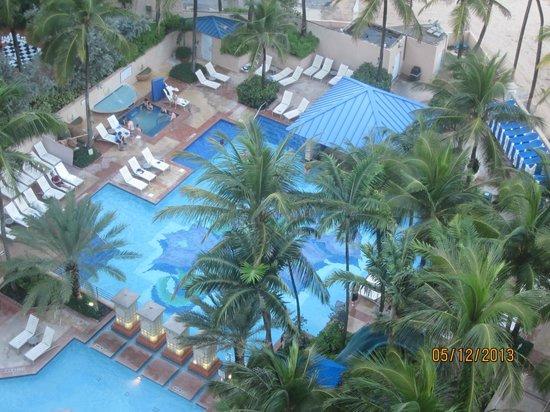 San Juan Marriott Resort & Stellaris Casino: Nice pool