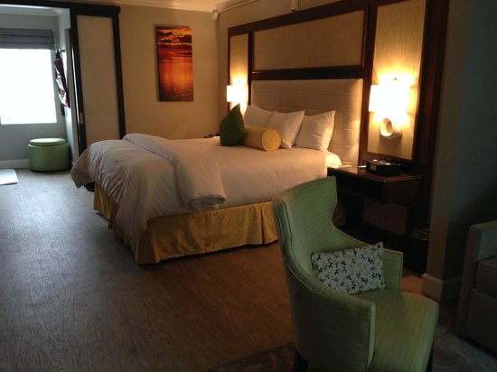 Almond Tree Inn: King suite