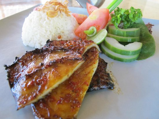 Sukun Bali Cottages: grilled squid