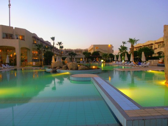 Sharm El Sheikh Marriott Resort: Beach side pool