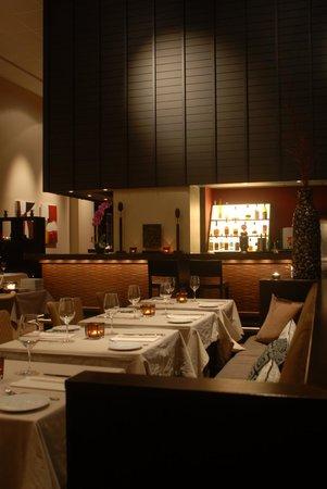 Chi : The restaurant