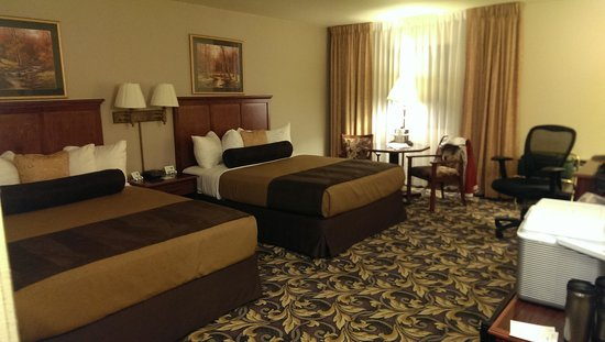 BEST WESTERN PLUS Mill Creek Inn: Our Room