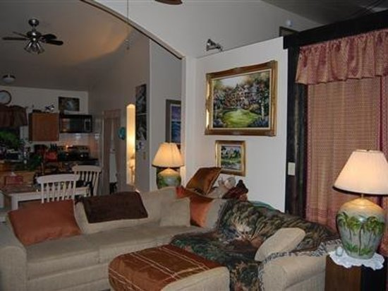 The Artist Cottage : Other Hotel Services/Amenities