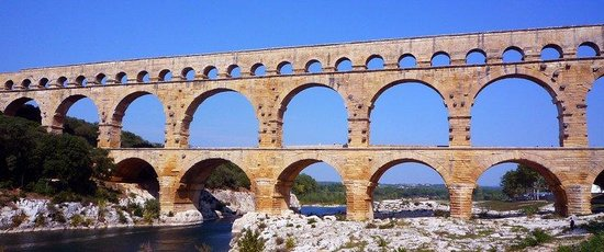 Domaine Des Escaunes: Roman Pont du Gard