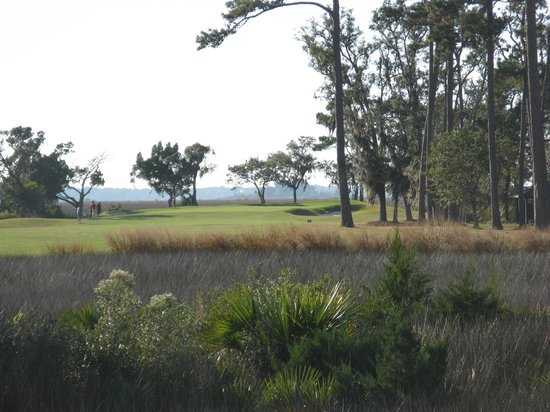 The King and Prince Beach and Golf Resort: marsh on 13th tee
