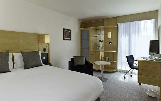 Doubletree by Hilton London - Westminster: King Executive Room