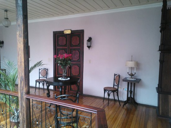 Casa Ordonez : 2nd Floor common area