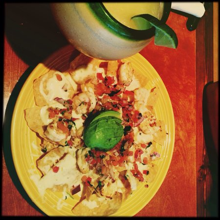 Don Pepper's Mexican Grill and Cantina: Margarita & Shrimp nachos!