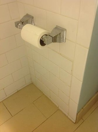 Melia Nassau Beach - All Inclusive : bathrooms ..though has everything hardware and grout is little scarry