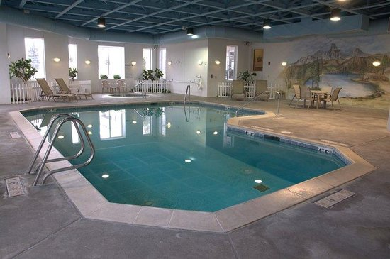 Le Ritz Hotel & Suites: Pool