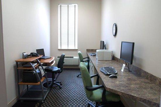 Le Ritz Hotel & Suites: Business Center
