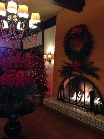 The Garland: warm and cosy lobby