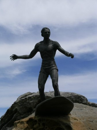 Statue oF Duke Kahanamoku, McKillop Park