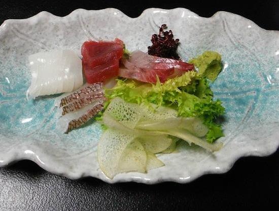 Sushi Kappo Aoki: 1050円の刺身もりあわせ