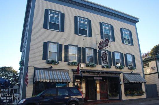 Cafe Drydock & Inn