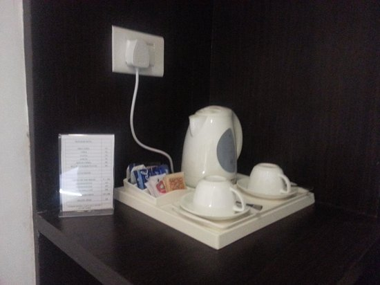 Hotel Lxia: Tea/Coffee pod within the room