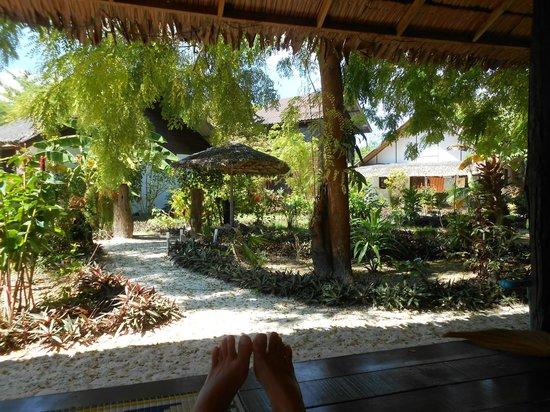 Blue Tribes Garden Beach Resort: двор отеля
