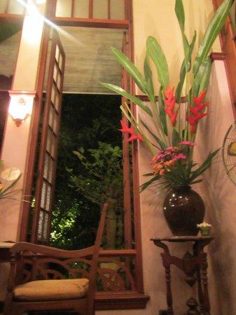 Ariyasomvilla: Restaurant area