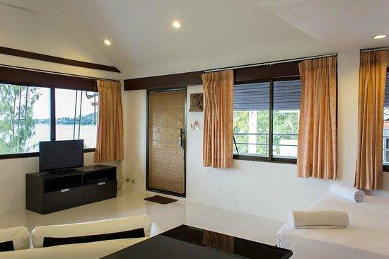 Baan Natacha Beachfront Guesthouse : Deluxe Studio D1