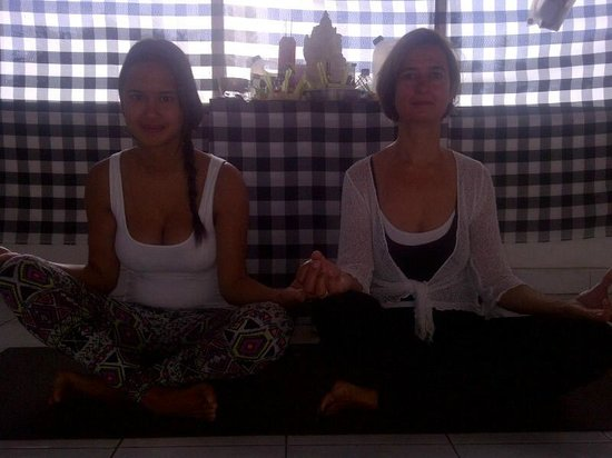 Yoga Siwa Durga Center: Guest from Japan join for yoga