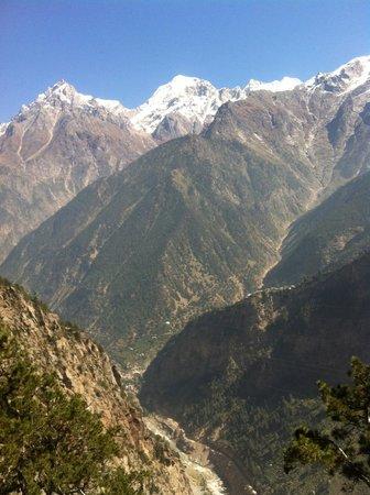 The Grand Shamba-La: Sutlej flowing through.