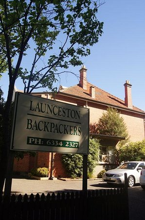 Launceston Backpackers: From the outside