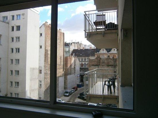 Agape Aparthotel: Corridor