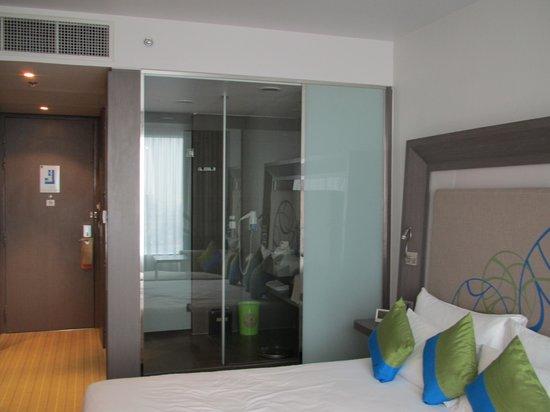 Novotel Bangkok Ploenchit Sukhumvit: ホテル室内