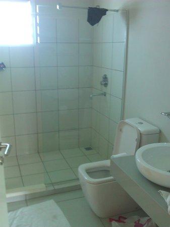 Mon Choisy Beach Resort : salle de bain