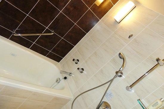 ANA Crowne Plaza Okinawa Harborview: Premier Room (Bath room)