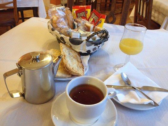 Hotel Norte y Londres: Por este desayuno cobran 8€.