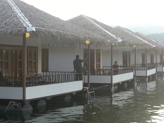 Lake Heaven Resort and Park : Closeup of rooms