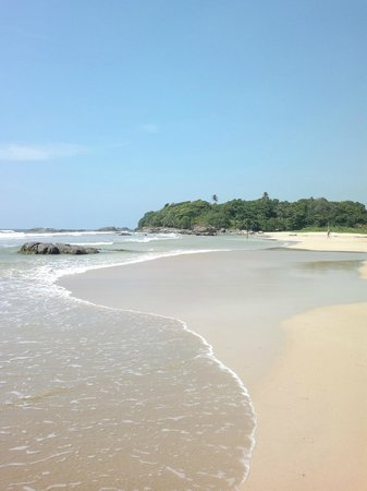 Amarit Hotel : Пляж)