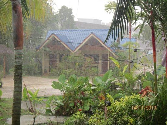 The Krabi Forest Homestay: utsikt från terassen