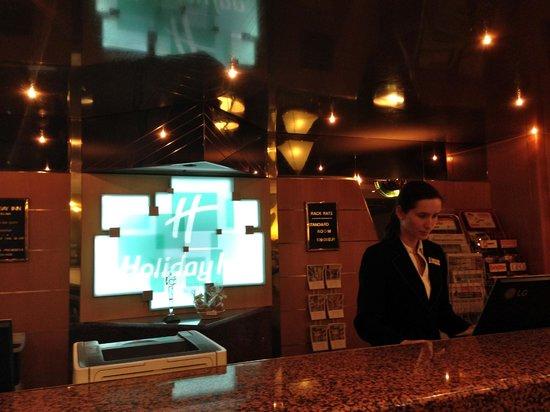 Holiday Inn Bratislava: Front desk