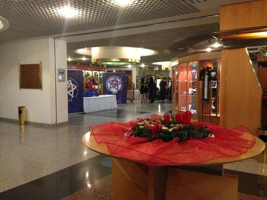 Holiday Inn Bratislava: lobby