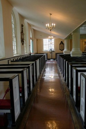 Christ Church : aisle
