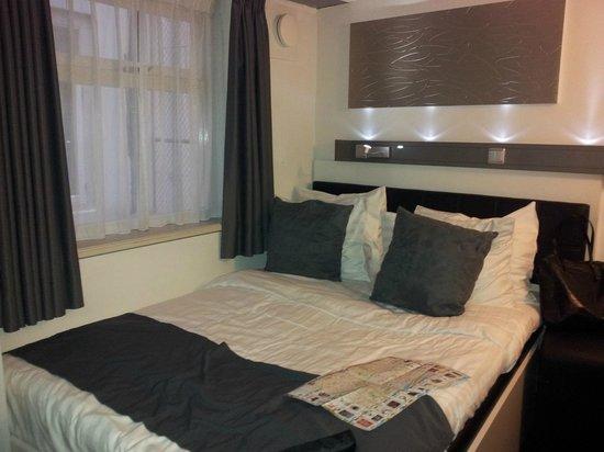 Hotel CC: Bed