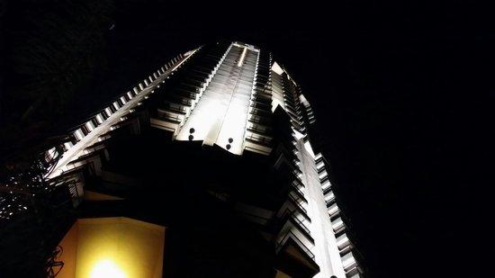 Sofitel Cairo El Gezirah: Sofitel at Night