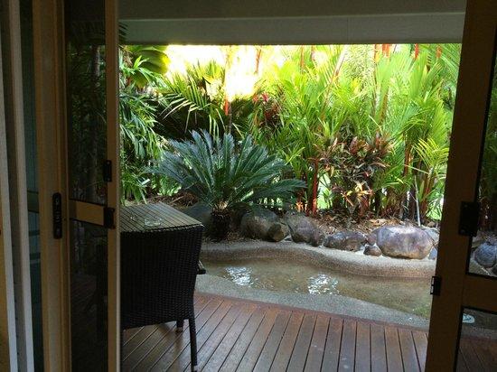 Eco Village Resort Mission Beach: pond