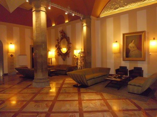 Grand Hotel Cavour: hall de l'hôtel