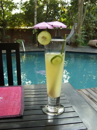 The River Garden Siem Reap: Lime drinks by the pool